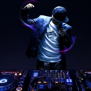 DJ в стрип клуб